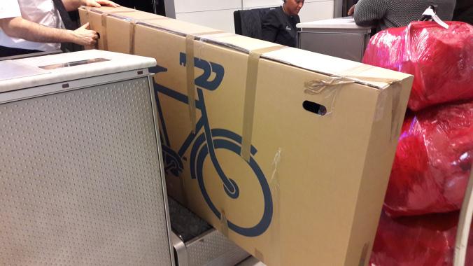 vélo emballé près pour son départ en Colombie