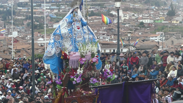 Défilé traditionnel à Cuzco