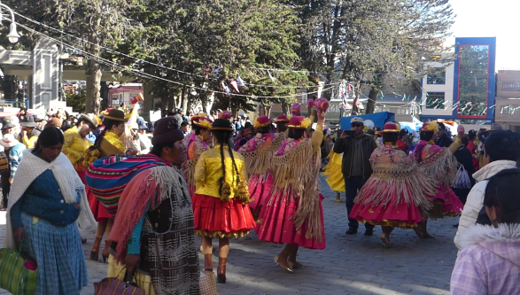 fete-village-bolivie