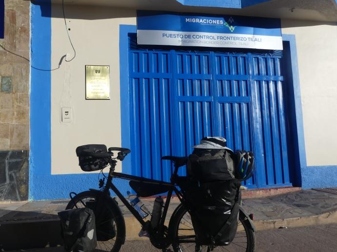 Il est 16h, le poste d'immigration de Tilali est fermé