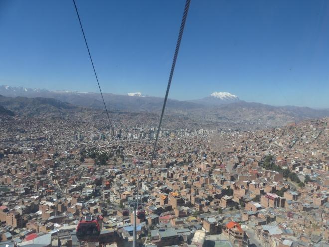 Les remontées mécaniques qui assurent la liaison El Alto-La Paz